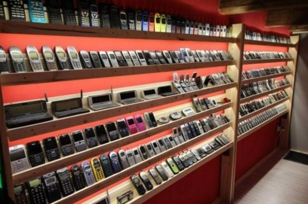 Bir koleksiyoner tarafından açılan cep telefonu müzesi - Page 3