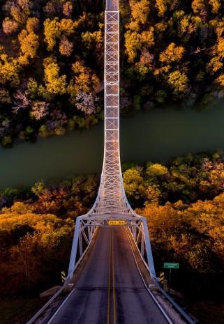 Bir Türk fotoğrafçısı sıradan mekanları birden fazla boyuta dönüştürüyor - Page 1