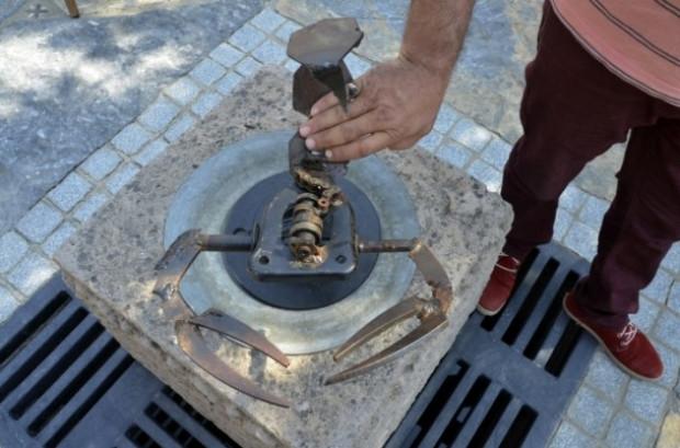 Bir Türk Otomobil parçalarını sanat eserine dönüştürüyor - Page 1