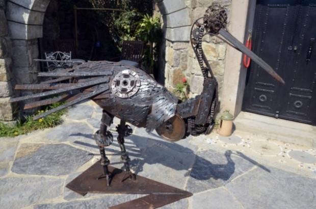 Bir Türk Otomobil parçalarını sanat eserine dönüştürüyor - Page 2