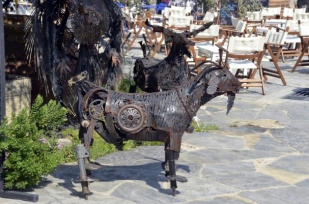 Bir Türk Otomobil parçalarını sanat eserine dönüştürüyor - Page 3
