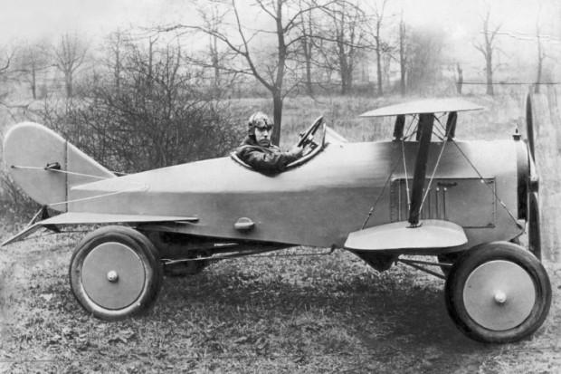 Bir Türlü Gerçekleşmemiş Olan Hayalin Evrimi; Uçan Arabalar - Page 2