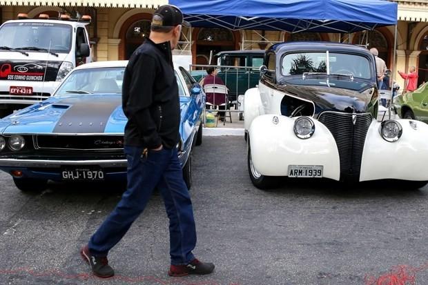 Birbirinden şık  Klasik arabalar - Page 1