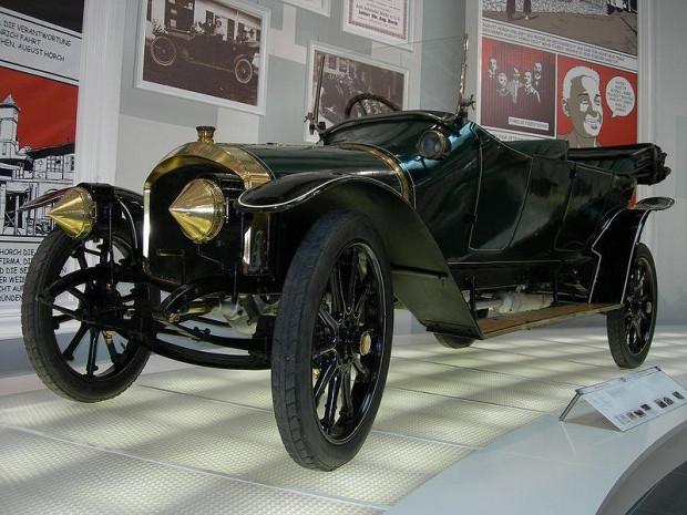Birçok markanın ürettiği ilk otomobiller - Page 1