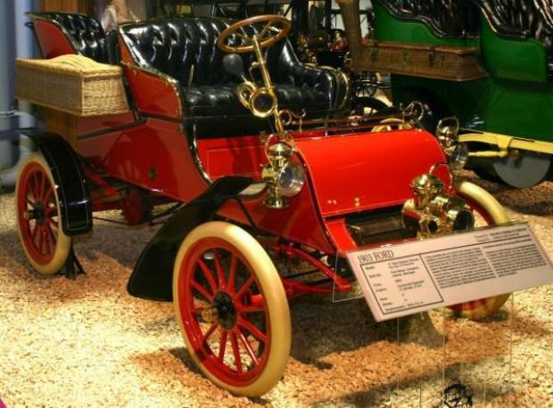 Birçok markanın ürettiği ilk otomobiller - Page 3