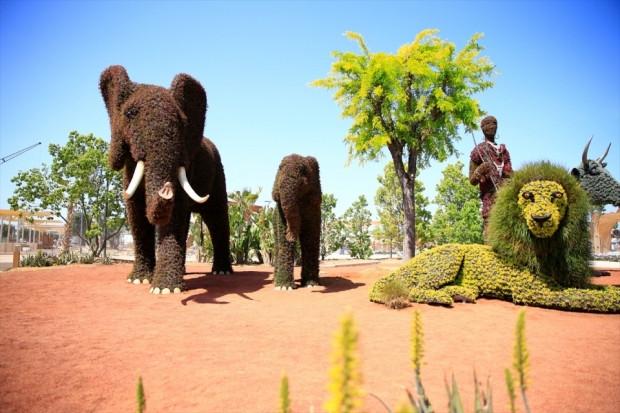 Bitkilerden yapılan muhteşem heykeller! - Page 1