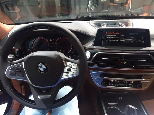 BMW 7 Serisi yeni yüzünü gösterdi - Page 4