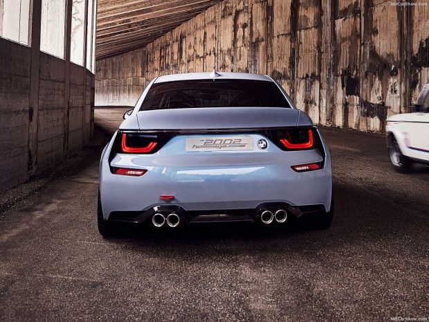 BMW Hommage Concept 2002, 2016 için yenilendi - Page 1