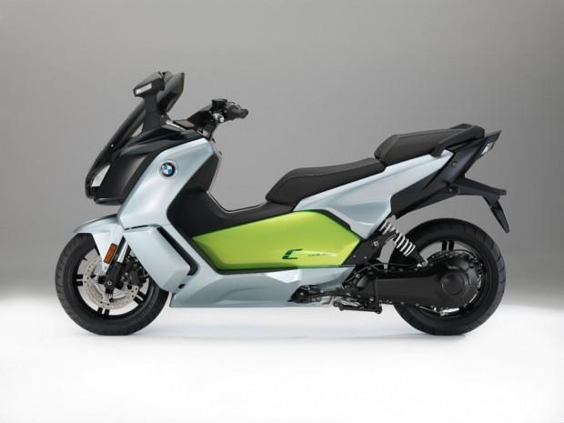 BMW i3 piller C evrim E-scooter - Page 1