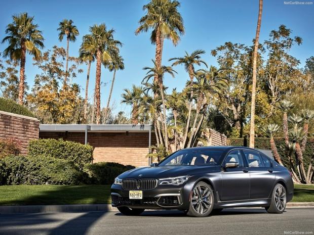 BMW M760Li xDrive 2017 - Page 1