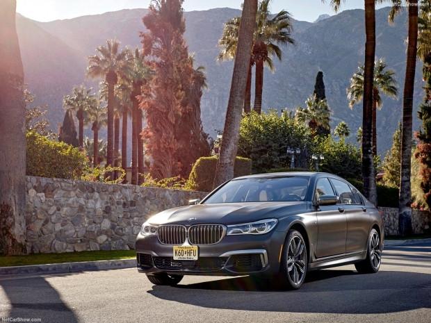 BMW M760Li xDrive 2017 - Page 2