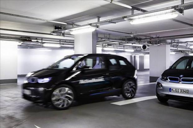 BMW park sorununu akıllı saatle çözüyor - Page 1