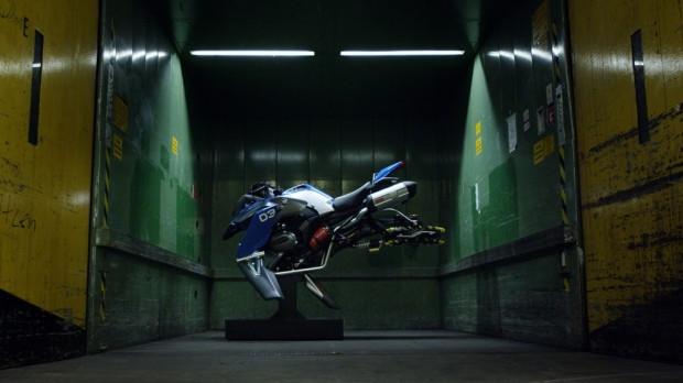 BMW uçan motorsikleti Hover Ride için kolları sıvadı - Page 1