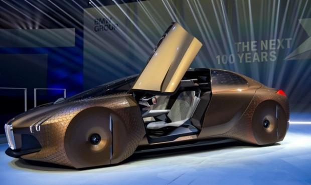 BMW'den 100. yıla renk değiştiren otomobil - Page 1