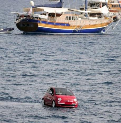 Bodrum'da yüzen otomobiller boy gösterdi! - Page 2