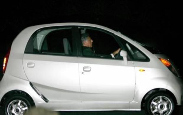 Bu da Dünya'nın en ucuz otomobilli TATA NANO! - Page 3