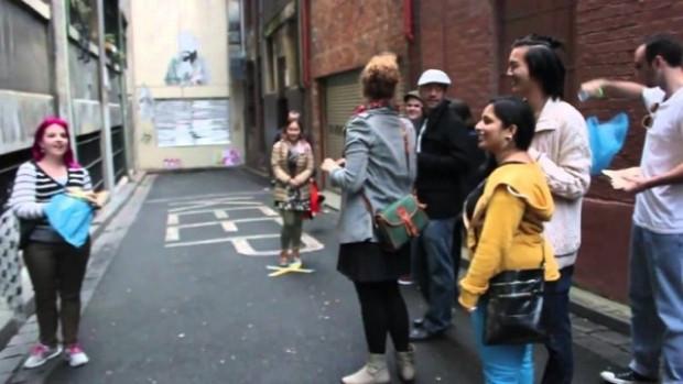 Bu insanlar, sokakta neyi bekliyor?Şok olacaksınız! - Page 4