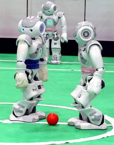 Bu robotlar futbol oynuyor! - Page 2