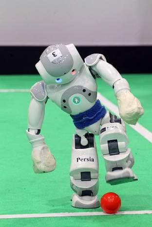 Bu robotlar futbol oynuyor! - Page 4