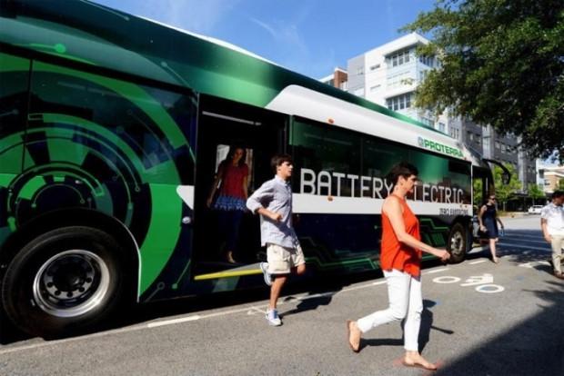 Bu şık elektrikli otobüs, tek bir şarjla 258 mil gidebiliyor - Page 3