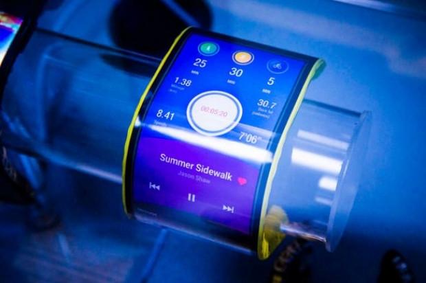 Bu telefon, tıpkı bir kol saati gibi bileğe takılabiliyor! - Page 3