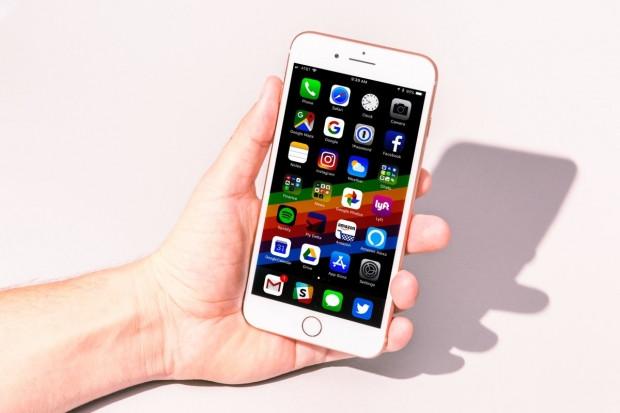 Bu yüzden iPhone X yerine iPhone 8 almalısınız - Page 4