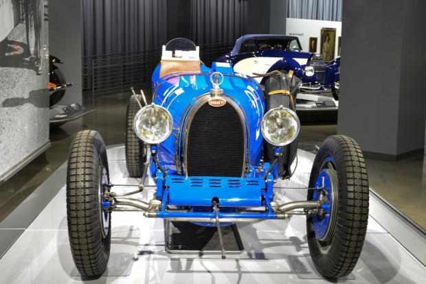 Bugatti otomobil sergisi Los Angeles'ta açıldı - Page 1