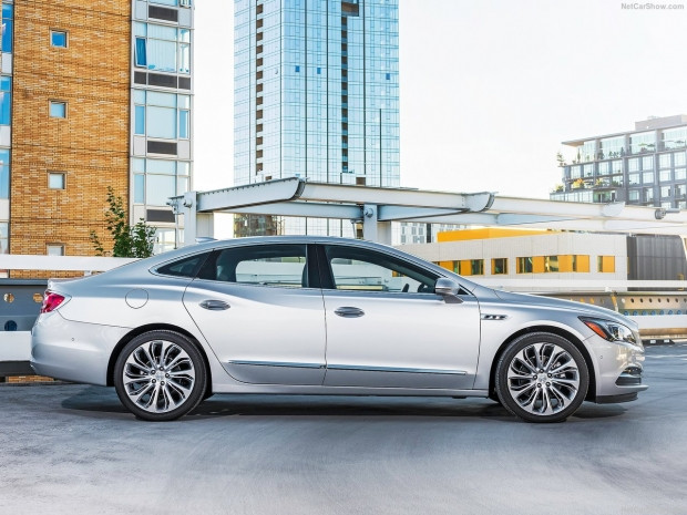 Buick LaCrosse 2017 - Page 3