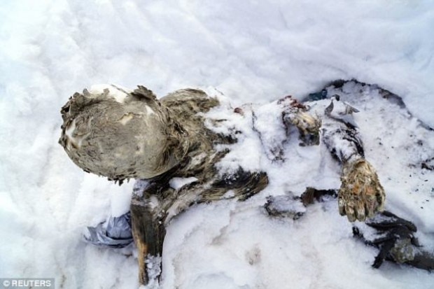 Buzlar eridi 55 yıllık cesetler çıktı! - Page 4