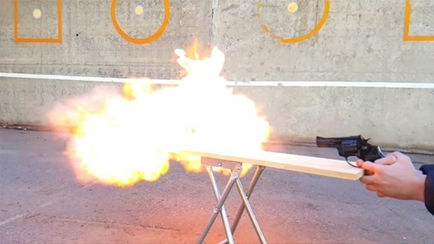 Çakmak gazının ateşle geçirdiği reaksiyon - Page 1
