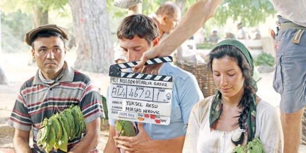 Cem Yılmaz'ın yeni filmindeki ilginç detayı yakaladınız mı? - Page 1