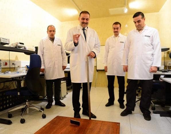 'Cep'te dayanıklılık testi artık Türkiye'de - Page 1