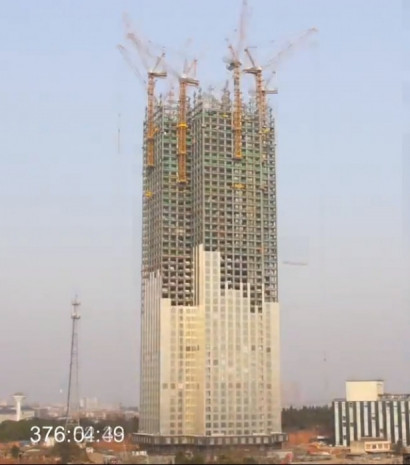 Çinliler, 57 kat yüksekliğinde bir gökdeleni 19 günde bitirdi - Page 1