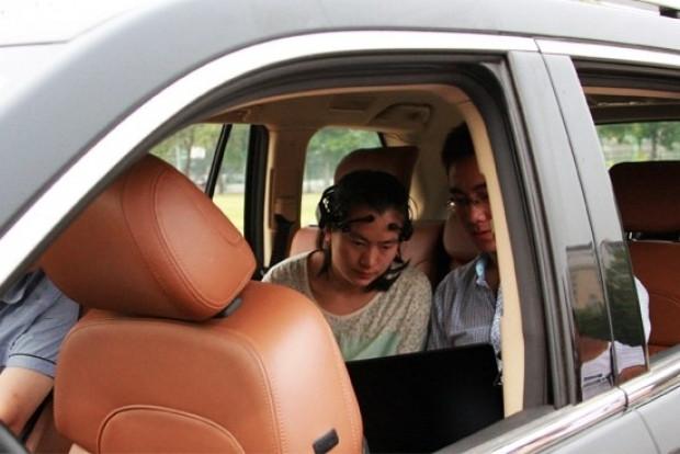Çinliler beyin gücüyle otomobil kullandı! - Page 3