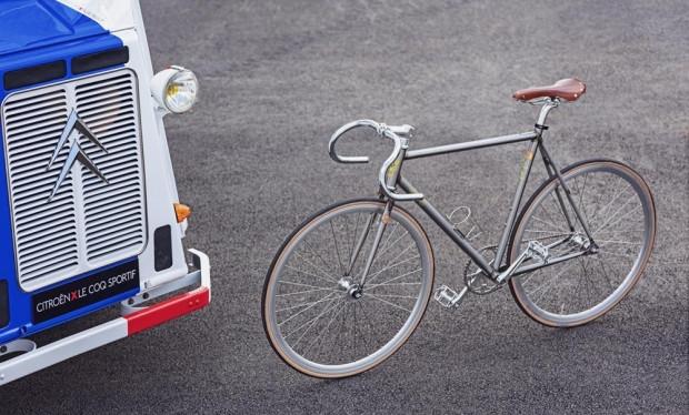 Citroen klasik kamyonet içine dolaşan bisikleti dükkanı sığdırdı - Page 4