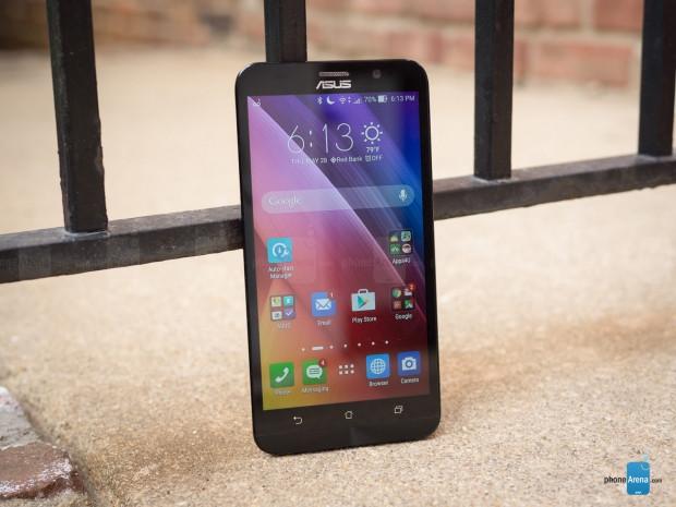Daha büyük ya da eşit pile rağmen pil süreleri Galaxy Note 5'ten kötü olan akıllı telefonlar - Page 4