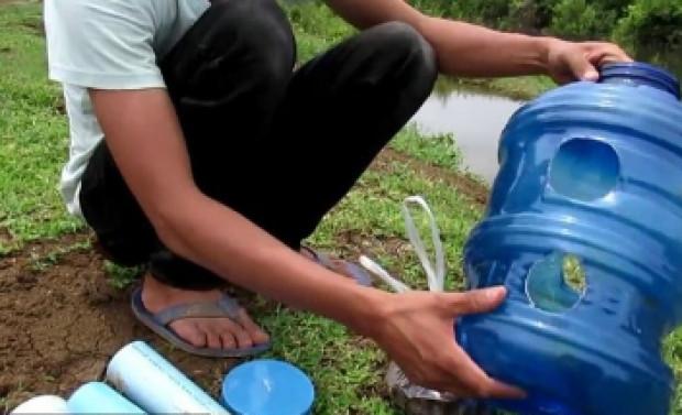 Damacana, su borusu ve pet şişe kullanarak balık avladı - Page 2
