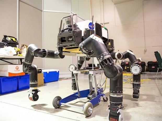DARPA robot yarışması 2015 - Page 1