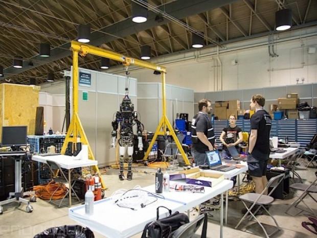 DARPA robot yarışması 2015 - Page 4
