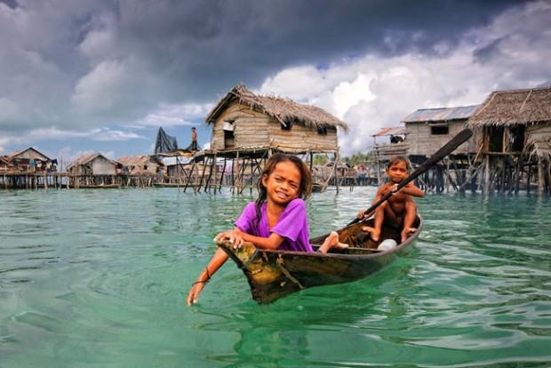 Denizde yaşayan balık insanlar kabilesi - Page 1