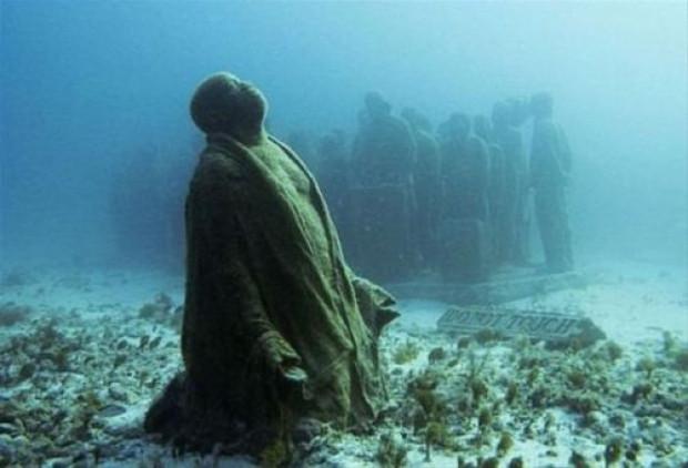 Denizin dibinde ürküten müze - Page 2