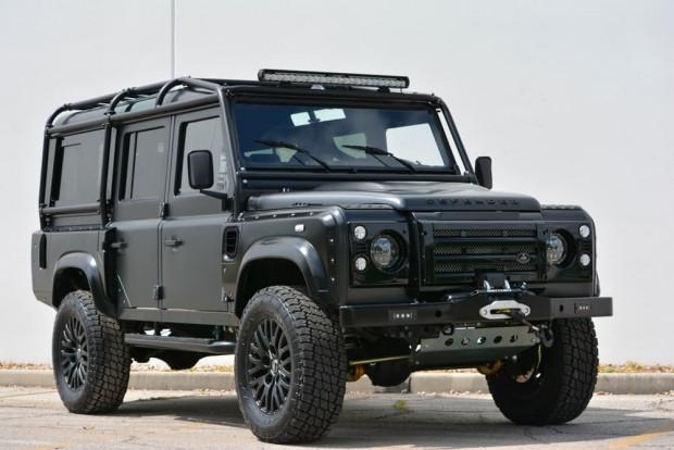 Devasa boyutuyla Land Rover Defender Beast - Page 3