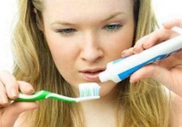 Diş fırçasını asla ıslatmayın - Page 1