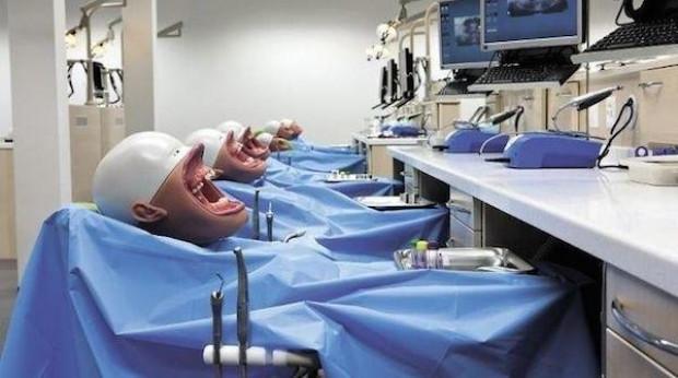 Diş hekimi adayları bu robotlarla pratik yapıyor - Page 2