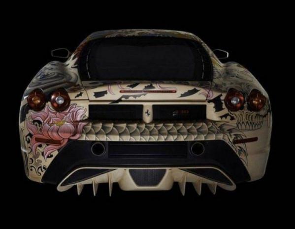 Dövmeli Ferrari F430 büyüledi! - Page 2