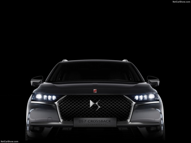 DS 7 Crossback 2018 - Page 3