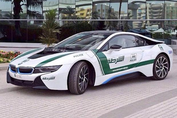 Dubai polisinin lüks arabaları - Page 1