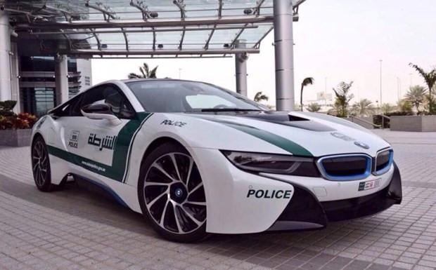 Dubai polisinin lüks arabaları - Page 3
