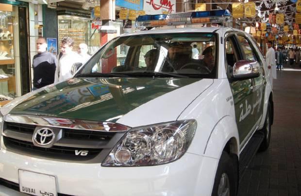 Dubai'de Polisler bile Lamborghini'ye biniyor! - Page 3