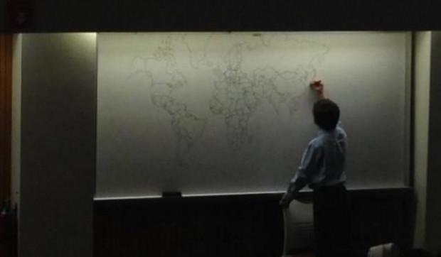 Dünya haritasını akıldan çizebilen otizmli çocuk - Page 4
